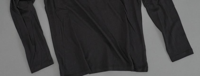 Frauen Longsleeve mit dem Seezeichen 'Wrack' von vorne in schwarz