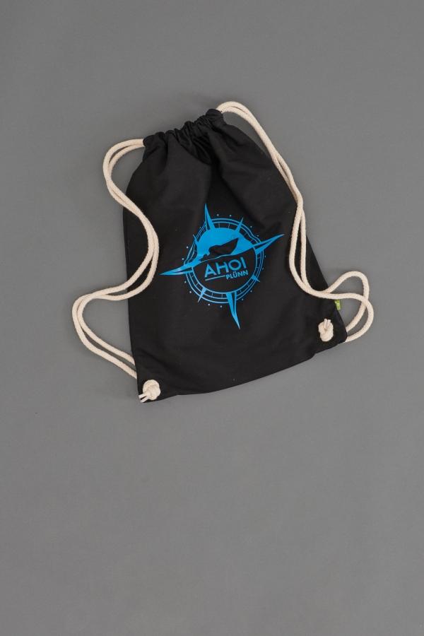 Der Ahoi Plünn Seesack in schwarz mit der Ahoi Plünn Kompassrose in blau