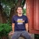 Max trägt das Ahoi PlünnMax trägt das Fishing Shirt 'Jugend Dorscht', front in blau